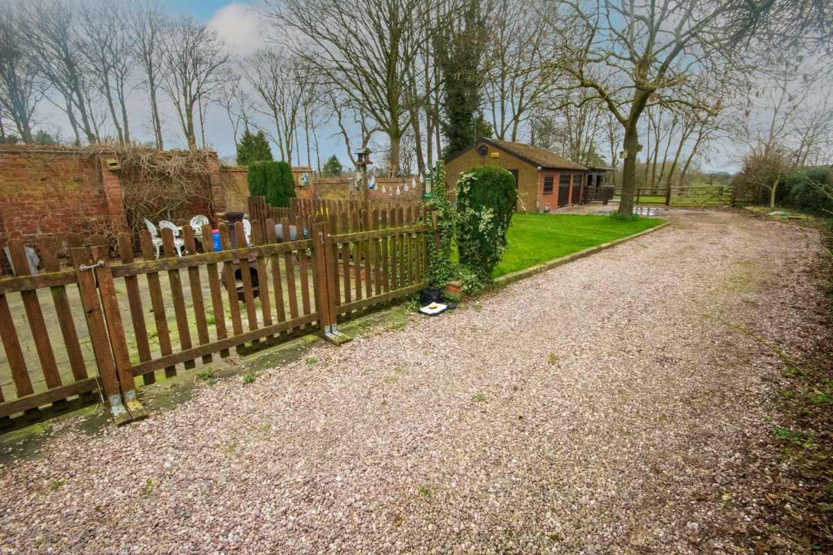 Parkfield House Cottages,